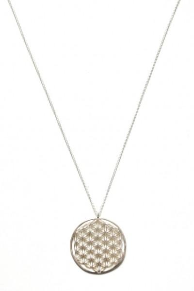 Halskette aus 925er Silber mit einem Raster-Anhänger