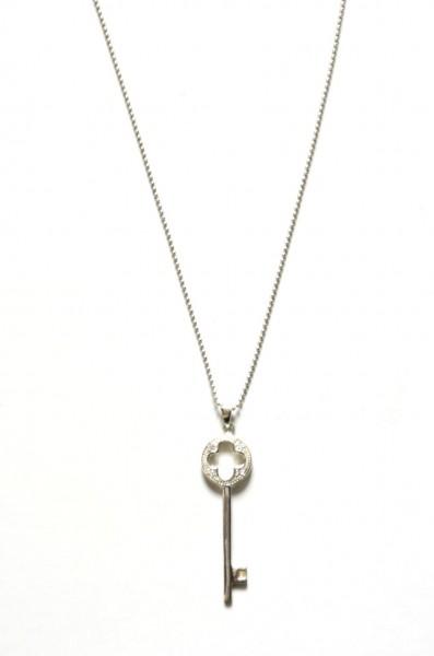 Halskette aus 925er Silber mit Schlüssel Anhänger